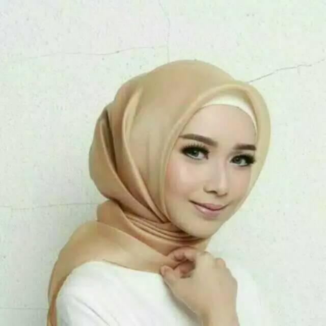Segi empat organdi / organza hijab