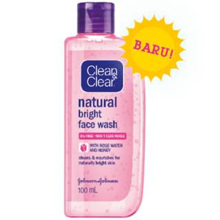 Clean and Clear Natural Bright Face Wash 100ml