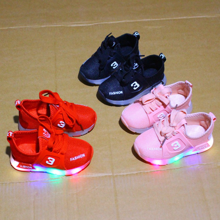 Sepatu Anak Lampu LED Hello Kitty Bintang Glow In The Dark  8f6a254a8a
