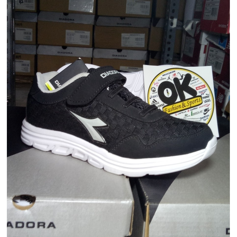 Diadora anak original diadora GEMMA JR black sepatu sekolah bertali diadora  asli  12e5770b4f