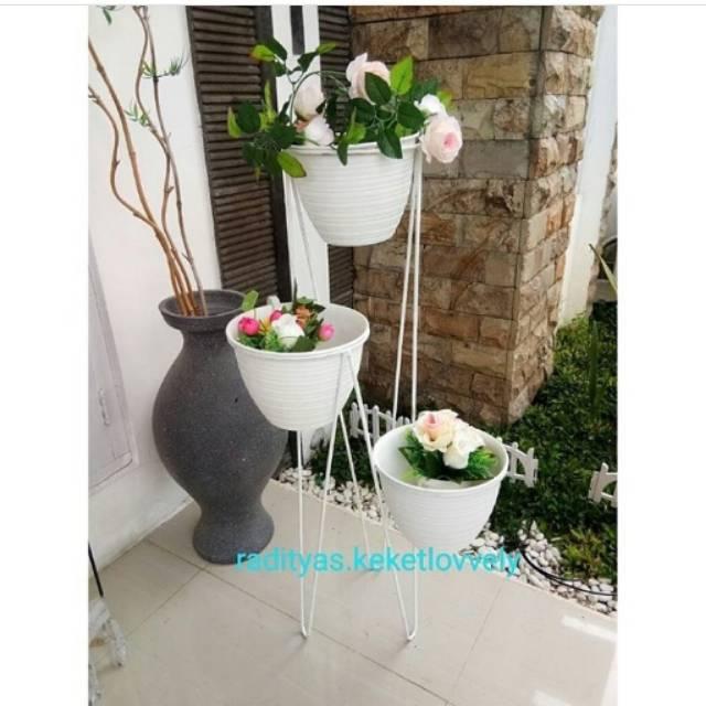 Mini Classic Plant Stand Hitam, rak pot besi murah, standing planter minimalis | Shopee Indonesia