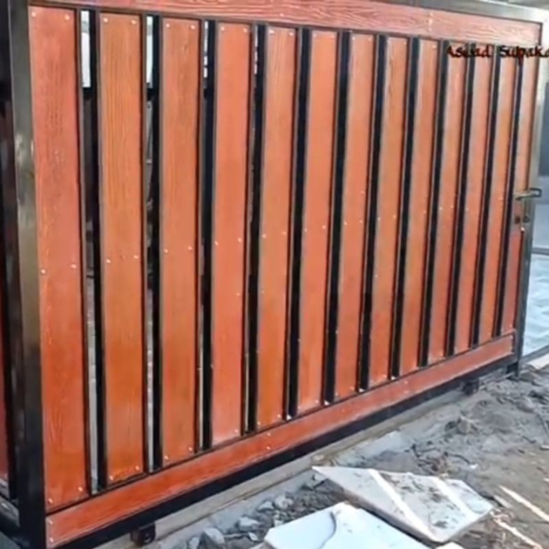pagar besi motif kayu grc pagar rumah woodplank minimalis