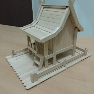 Prakarya Maket Miniatur Rumah Adat Kalimantan Timur Dari Stik Es Krim