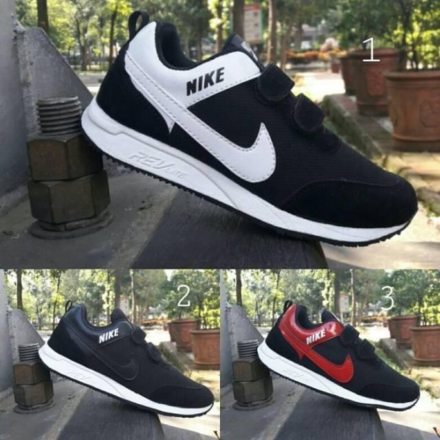 Sepatu Sport Nike Vegasus Zero One Olahraga Lari Running Anak Pria Laki  Cowo Putih Hitam Keren Murah  c032f55a96