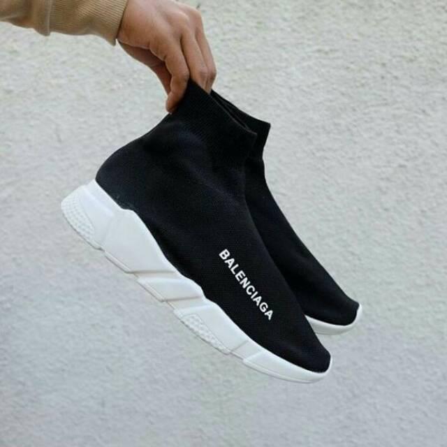 Sepatu Slip on Bahan Mesh Portable Gaya Korea untuk Pria  12d4821ade