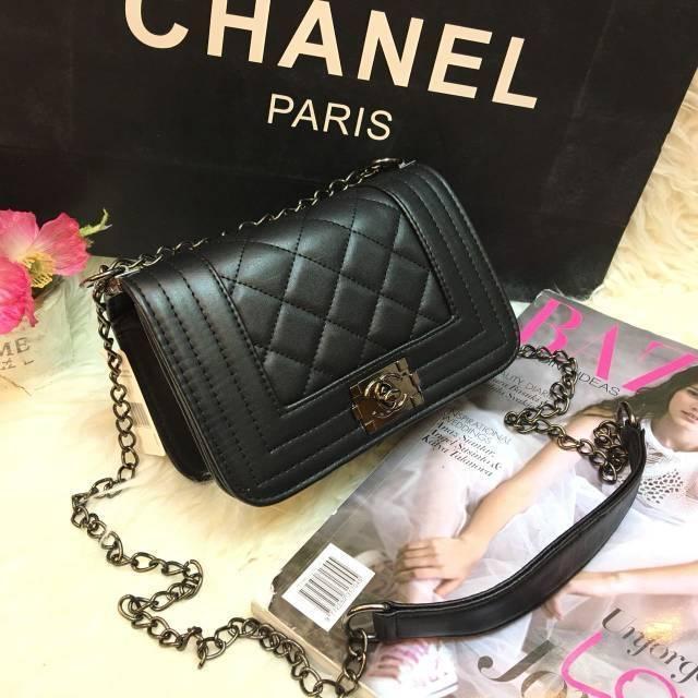 Promo   Grosir   Jual Tas Selempang Tali Rantai Wanita Branded Chanel Boy  Mini Warna Hitam Termurah  9f73f7db44