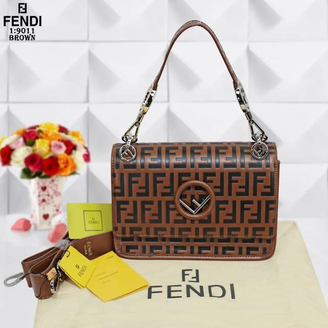 ae0d8107e69 ... TAS MEREK PENDI SERI 9011 Shopee Indonesia size 40 8477e f0732  amazon  luxury bags mens bags fendi ...