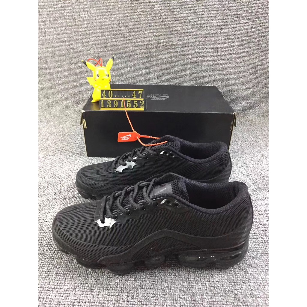 Sepatu Sneakers Wanita Model Lace-Up  822a5d4047