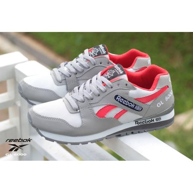 Sepatu Reebok Abu  f4cdc2a707