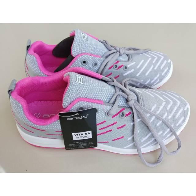 Ando Vita Sepatu Olahraga Wanita Sepatu Casual Warna Hitam Putih ... 6b1e9cdd14