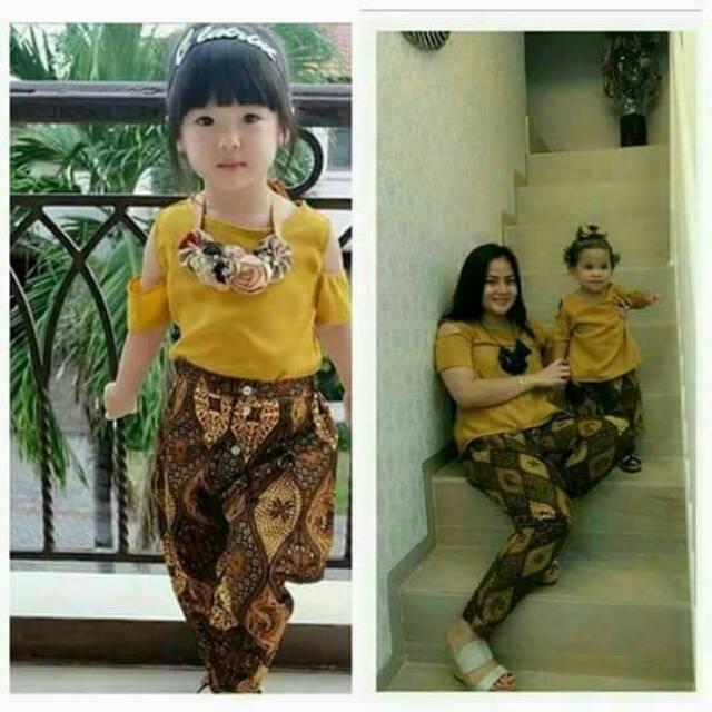 Foto Baju Batik Anak Modern Promo Setelan Baju Batik Anak Modern Couple Ibu Dan Anak Setelan