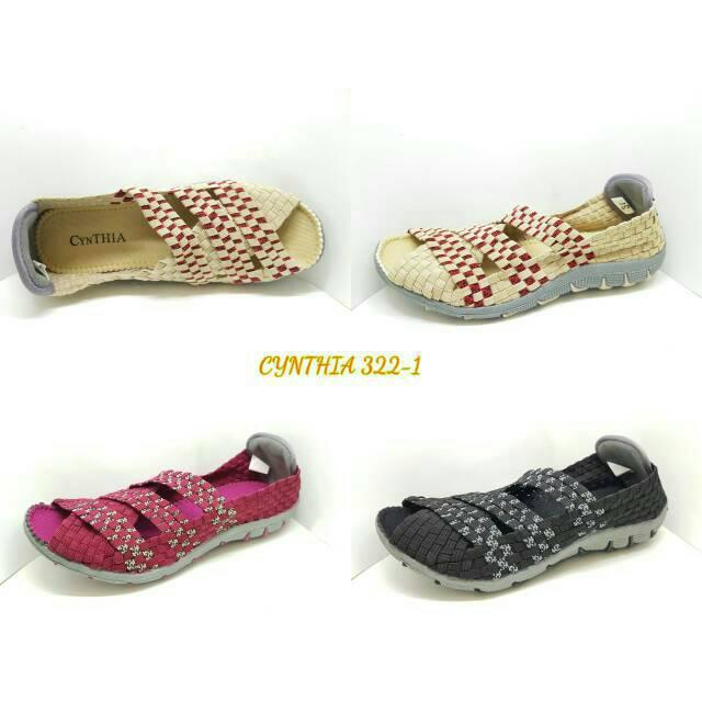 Sepatu rajut Cynthia .