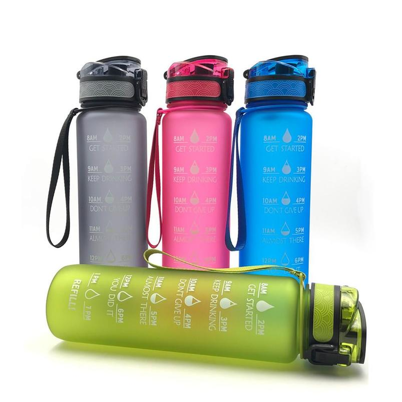 1L Outdoor Sports Fitness Water Bottle Tritan Material Non-Toxic Water Bottle Frosted Water Cup with Time Scale to Remind Drinking Water /& Bouncing Cover