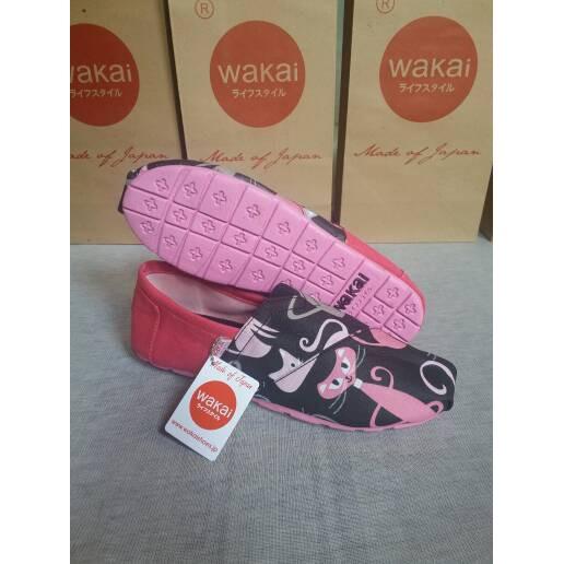 JUAL SEPATU WAKAI WANITA PINK BALCK SZ 36-40. | Shopee Indonesia