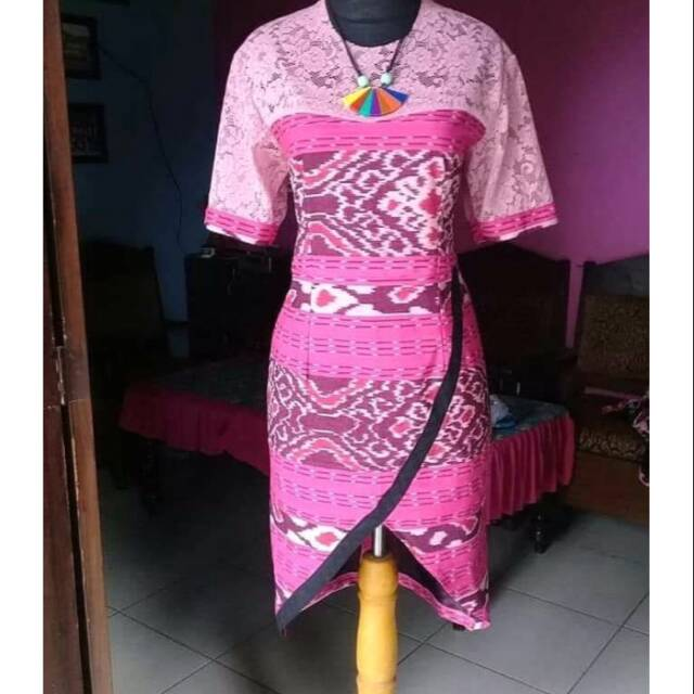 Dress Tenun Pimk Fushia Kombinasi Brokat