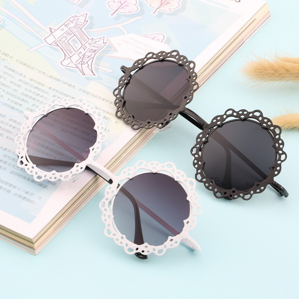Kacamata Hitam Pria dan Wanita Gaya Klasik   Retro dengan Bingkai Bahan  Logam  b1dc107c43