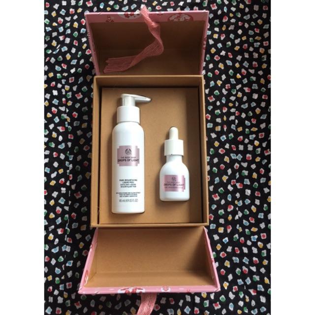 The Body Shop Original Drops Of Light Liquid Peel 145ml Care Brightening Serum 30ml Dol Shopee Indonesia