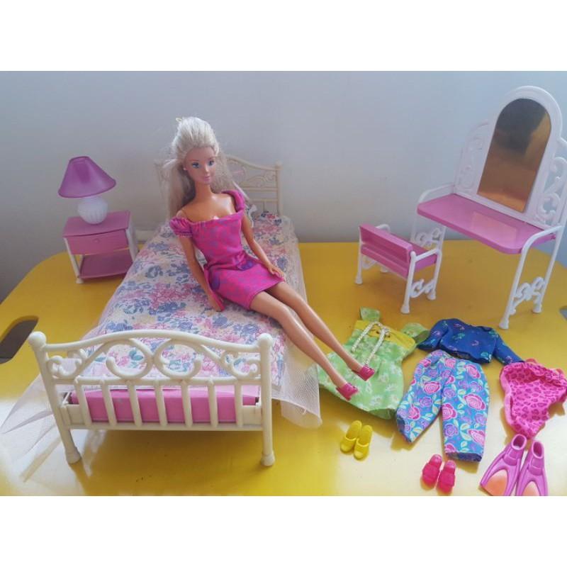 Preloved Barbie Bedroom Set Kamar Tidur Barbie Baju Barbie Shopee Indonesia