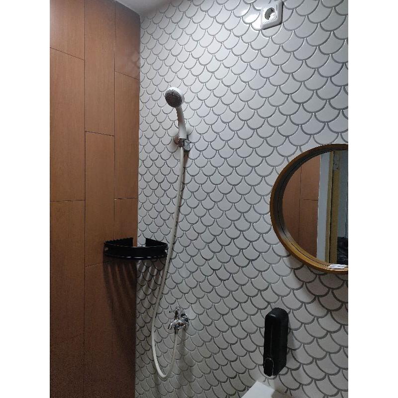 roman granit dAlder Mahogany 15x60, keramik motif kayu mahogani