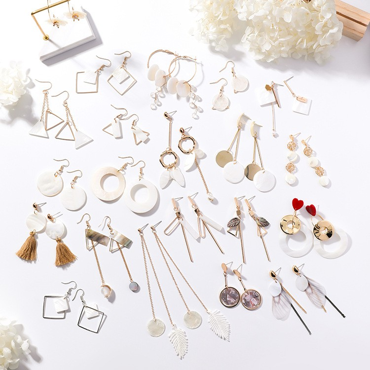 LRC Anting Gantung Fashion Gold Color Square Shape Decorated Earrings