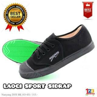 Sepatu takraw nanyang hitam  7240e46599
