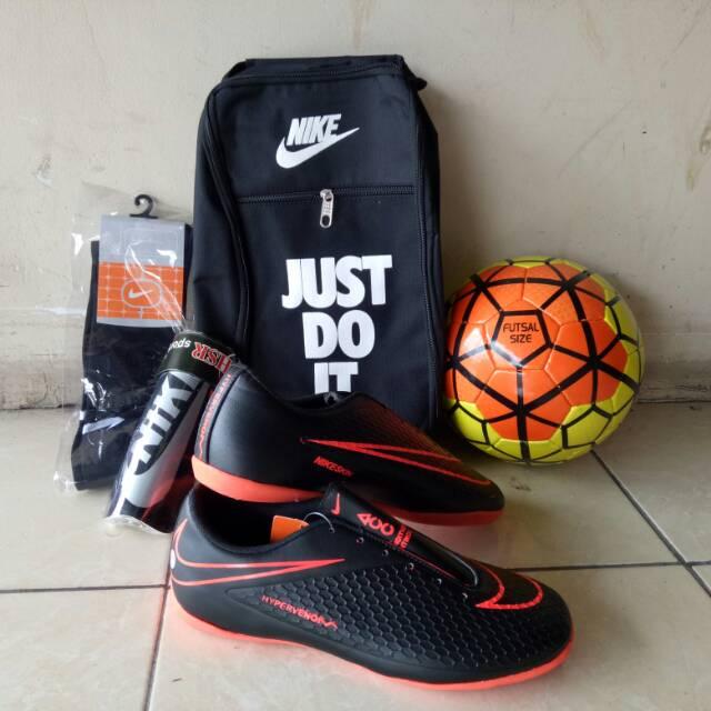 Stok Terbatas - Sepatu Nike Futsal Hypervenom Mercurial Futsal Pria ... 77eceeb5e9