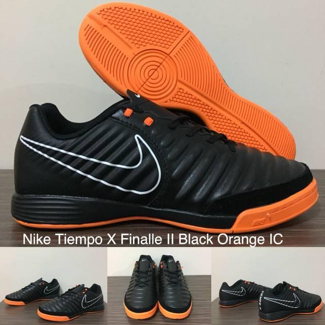 Sepatu Futsal Nike Mercurial Vapor XII Academy CR7 Bright Crimson IC ... a2bb1ea730