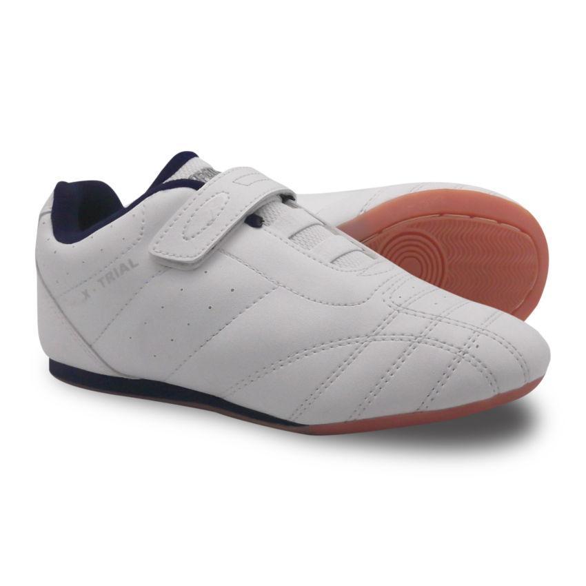 Fans CRV F Sepatu Olahraga Futsal Sepak Bola Pria - Hitam-Merah ... 2d955f9cfe