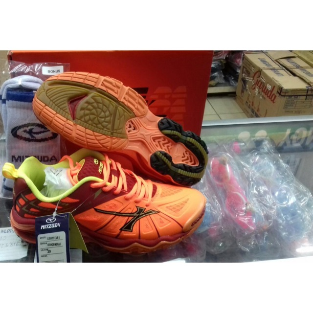 Sepatu Badminto Volley Mitzuda Star Light New Orange Original ... b02e6d0bf9