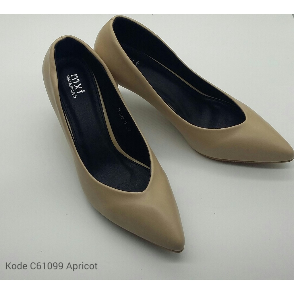 C2089 Shopee Indonesia Amazara Clarissa Black Suede Heels Hitam 41