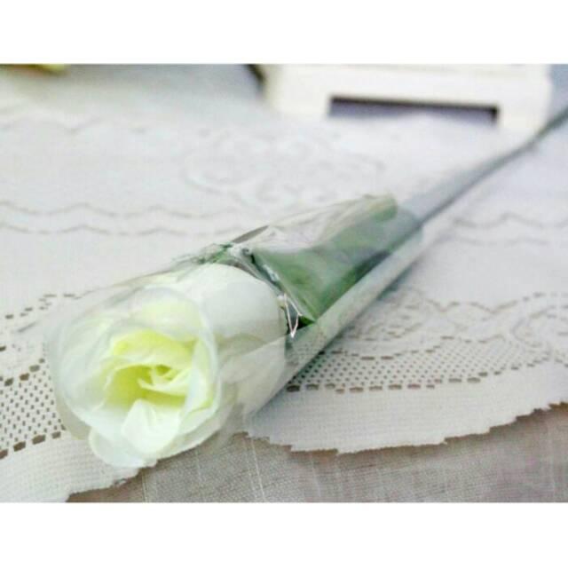 Bunga mawar setangkai   bunga rose kuncup 1 tangkai   bunga plastik  artificial  2c4411bbe7