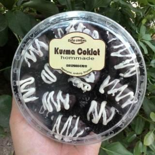 Kurma-Coklat