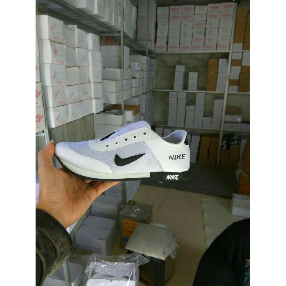 Best Seller Sepatu Casual Kets Sekolah Nike Rosherun Man Cowo Apstar Ap Star By Boots Karet Pvc Sneakers Kerja Bukan Converse Adidas Import Shopee Indonesia