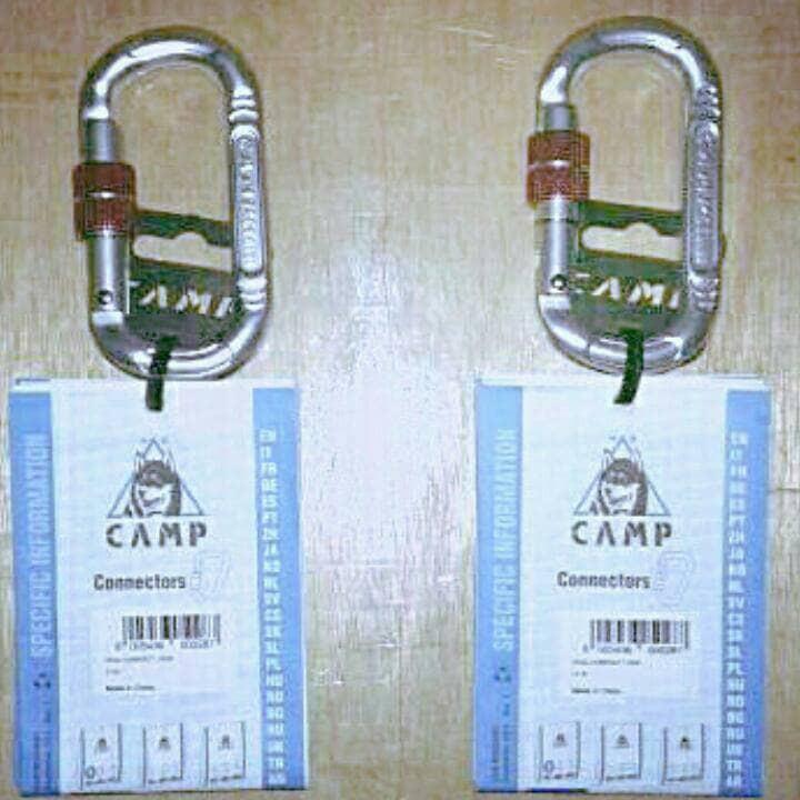 Camp USA Compact Oval Lock Gate Carabiner