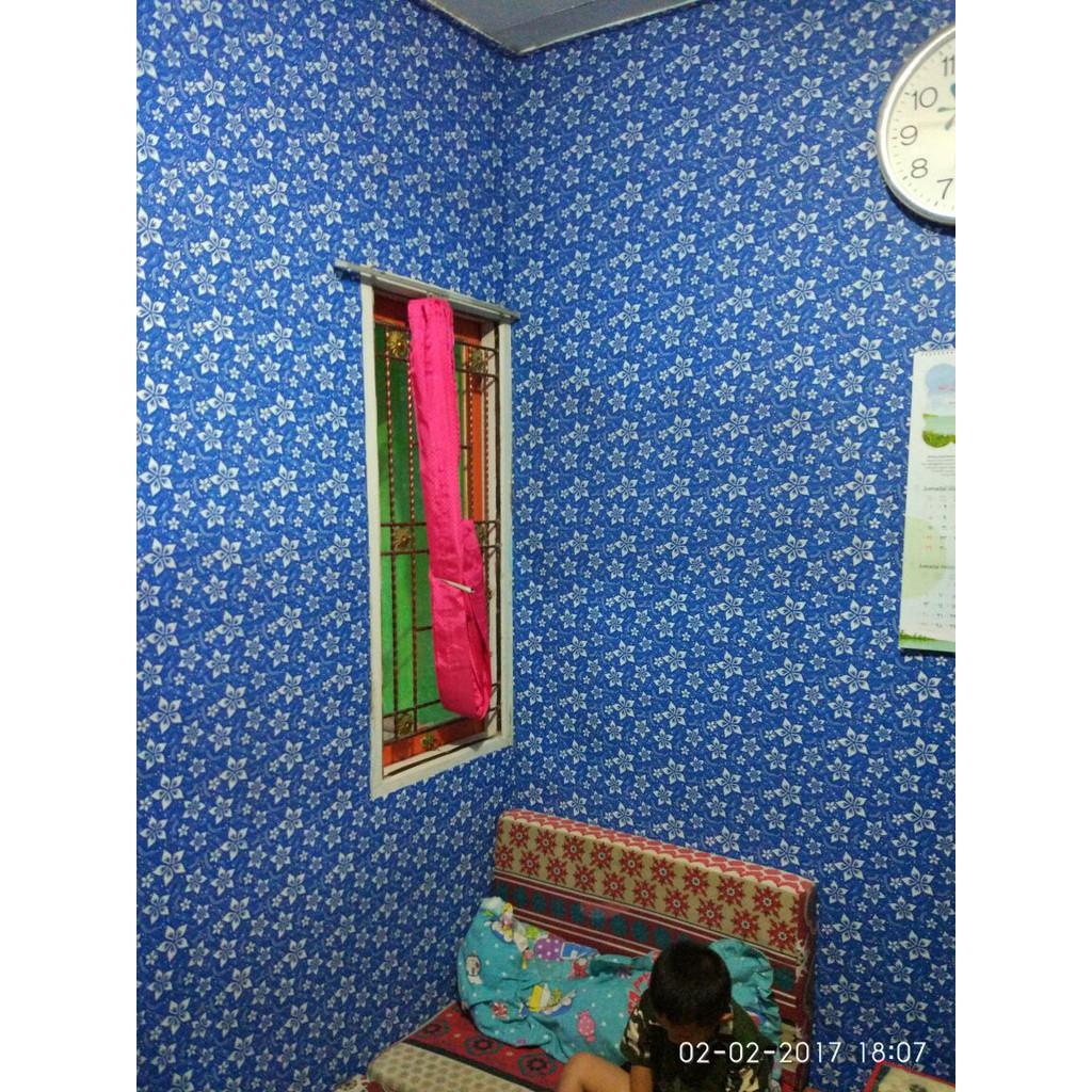 Wallpaper Batik Kupu Biru Tua