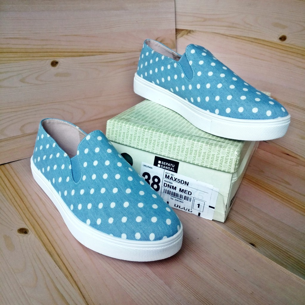 Nevada Max5dn Sepatu Flat Slip On Kanvas Denim Blue Polkadot Wanita Wedges Casual Original Matahari Shopee Indonesia