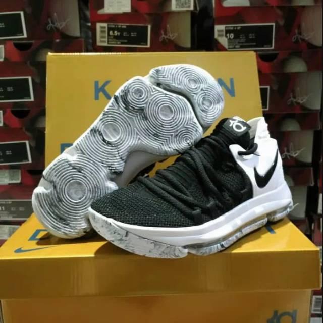 c7b3f081d577 Sepatu Basket KD 10 Marbled Oreo