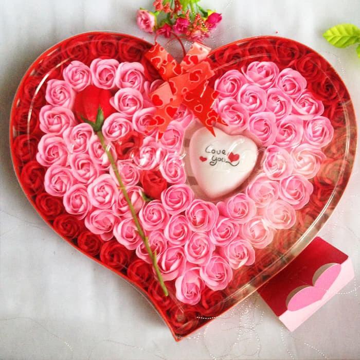 Bantal Hati Love Nyala Lampu LED Kado Valentine Romantis Couple   Shopee Indonesia