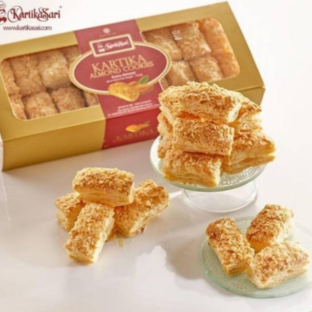 Pastry Almond Cookies Toples Original Kartika Sari Oleh Oleh Khas Bandung Molen Bolen Shopee Indonesia