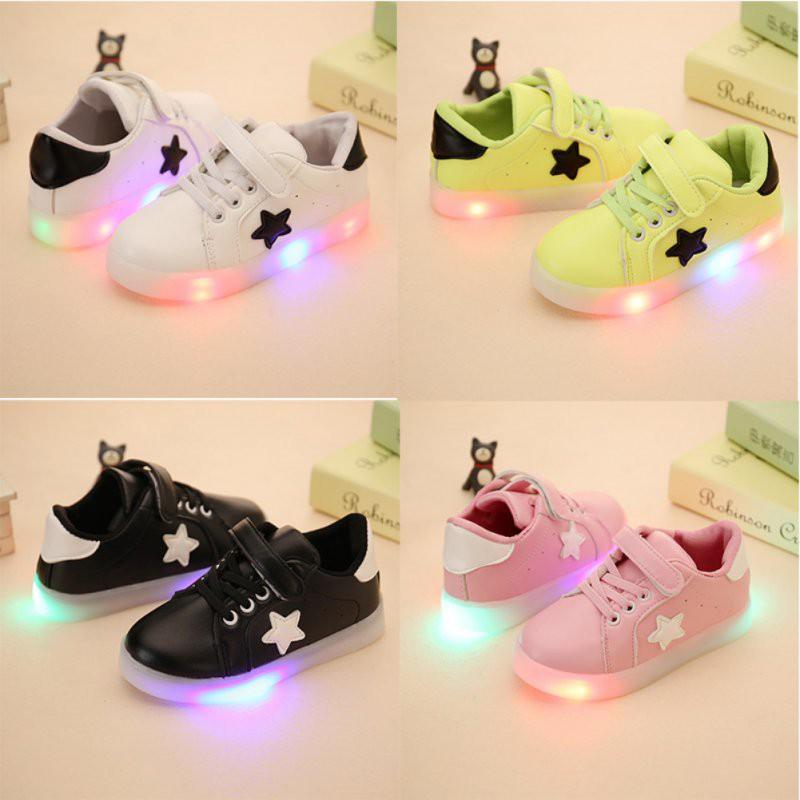 Sepatu Casual dengan Bahan Kulit PU dan Lampu LED Warna ...