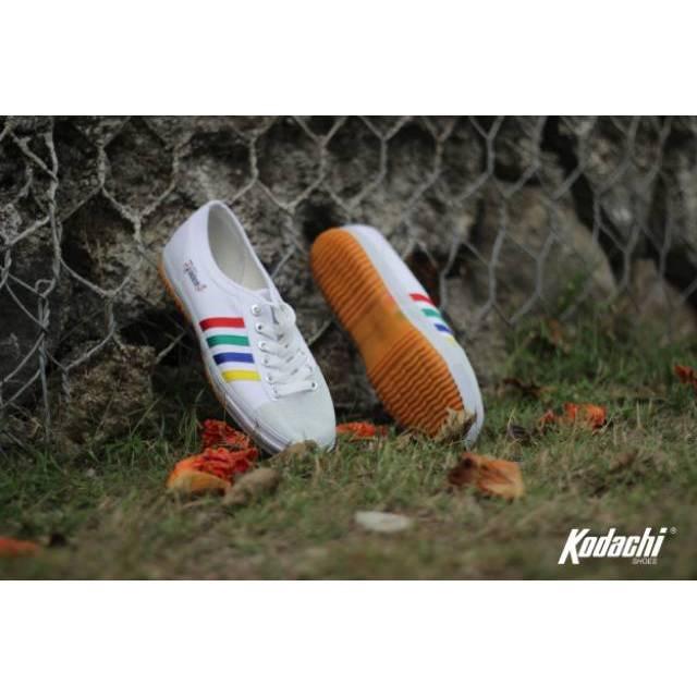PAKET OLDSKOOL 8111 - Sepatu Kodachi 8111 Retro + Kaos Kaki Hitam | Shopee Indonesia