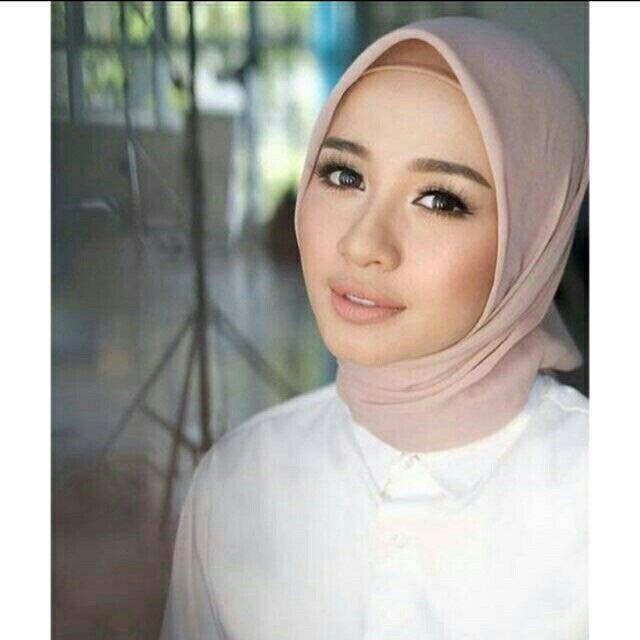 Daily Hijab Bella Square Potton Segiempat Bukan Neci Shopee