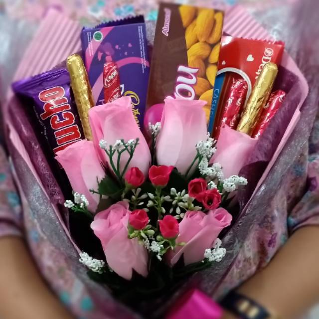 Buket Bunga Coklat Kode 107 Untuk Valentine Ultah Wisuda Dll Shopee Indonesia