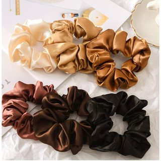 Ennwen IK69 Ikat Rambut Brownies Color Satin Silk Solid Color Scrunchie thumbnail