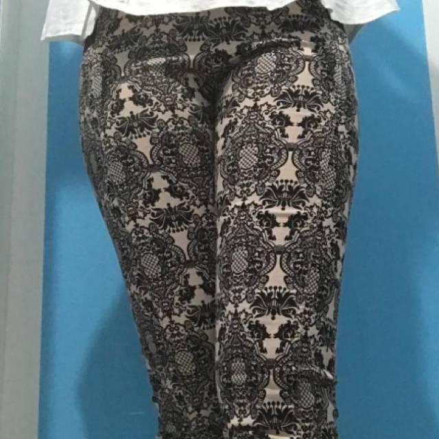 Preloved Celana Motif Abstrak Model Legging Shopee Indonesia