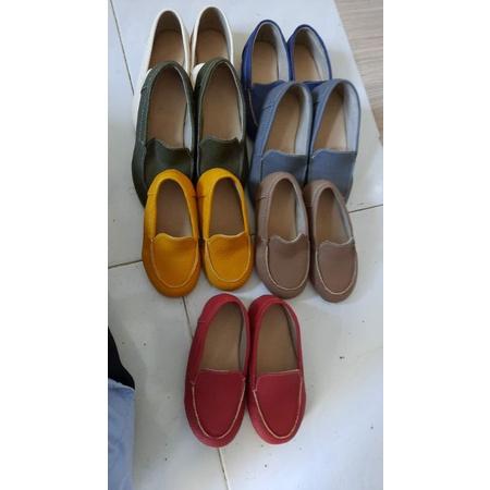 Sepatu Anak beli 1 gratis 1 pasang