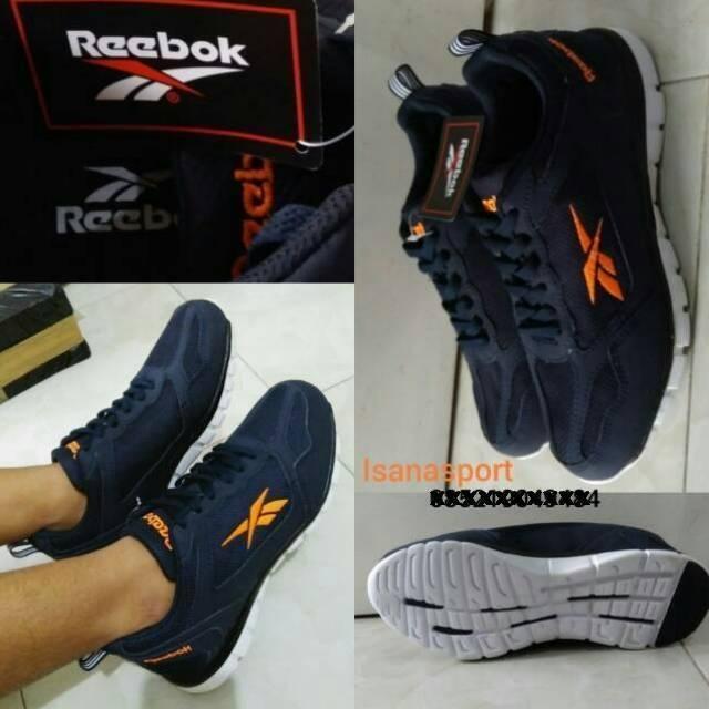Sepatu cowok Reebok. Sepatu Reebok unisex. Sepatu kets pria. Sepatu Reebok  running.  54de6503f0
