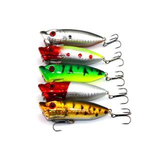 Umpan Keras Bentuk Kecil dan Simulasi Bentuk Ikan, Warna Warni. suka .