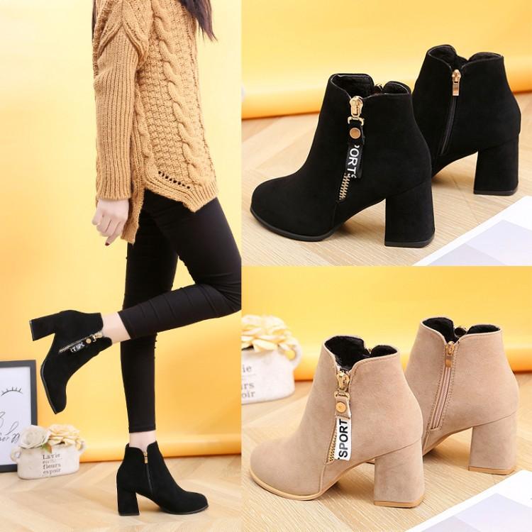 Sepatu Boots Ankle Wanita Bahan Suede Round Toe Anti Slip Gaya
