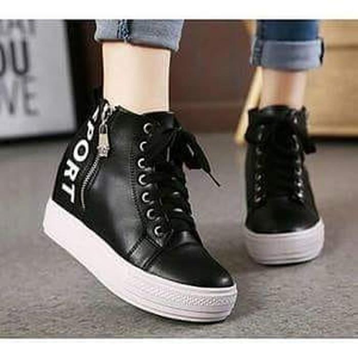Sepatu Wanita Boots Sport SBO334 Hitam